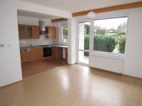 obývací pokoj v přízemí - Pronájem domu v osobním vlastnictví 181 m², Hlincová Hora