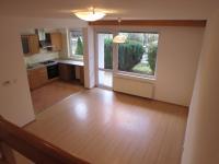 obývací pokoj- pohled ze schodů - Pronájem domu v osobním vlastnictví 181 m², Hlincová Hora