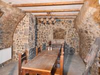 posezení ve sklípku - Prodej restaurace 787 m², Benešov nad Černou