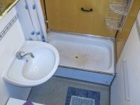 koupelna - Pronájem bytu 2+kk v družstevním vlastnictví 50 m², České Budějovice