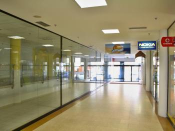obchodní pasáž - Pronájem obchodních prostor 185 m², České Budějovice