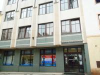 Pohled na budovu z ulice - Pronájem kancelářských prostor 35 m², Broumov