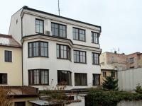 Pohled na budovu ze dvora - Pronájem kancelářských prostor 35 m², Broumov