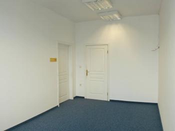 Vhled do kanceláře - Pronájem kancelářských prostor 35 m², Broumov