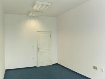 Vhled do kanceláře - Pronájem kancelářských prostor 17 m², Broumov