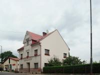 Pohled na dům z ulice - Prodej penzionu 316 m², Žacléř