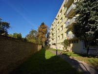 Zadní strana domu (Prodej bytu 3+1 v družstevním vlastnictví 85 m², České Budějovice)