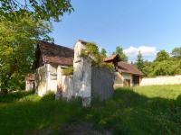 Dvory a hospodářská budova (Prodej domu v osobním vlastnictví 237 m², Všemyslice)
