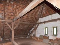 Půda 10,3 x 6,2 m (Prodej domu v osobním vlastnictví 237 m², Všemyslice)