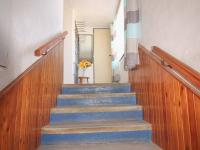 schodiště do patra - Prodej domu v osobním vlastnictví 228 m², Komařice