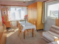 pokoj - byt v patře - Prodej domu v osobním vlastnictví 228 m², Komařice