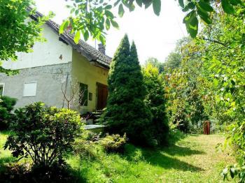 Pohled na dům od brány - Prodej domu v osobním vlastnictví 150 m², Lupenice