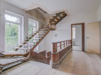 schodiště do podkroví - Prodej domu v osobním vlastnictví 457 m², Svitavy