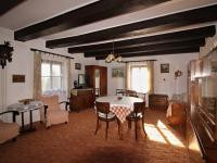 obývací pokoj v 1.NP - Prodej chaty / chalupy 238 m², Vlachovo Březí