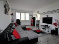 obývací pokoj - Prodej bytu 3+1 v osobním vlastnictví 73 m², Vyšší Brod