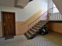venkovní chodba - Prodej bytu 3+1 v osobním vlastnictví 73 m², Vyšší Brod