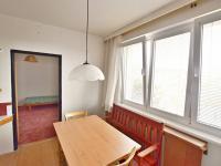 jídelní kout + pokoj 3 - Prodej bytu 3+1 v osobním vlastnictví 65 m², Větřní