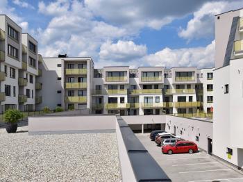 pohled z jihu - Prodej bytu 2+kk v osobním vlastnictví 101 m², České Budějovice
