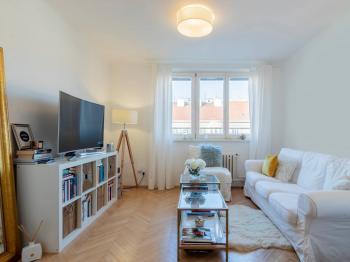 Obývací místnost - Prodej bytu 2+1 v osobním vlastnictví 82 m², Praha 3 - Žižkov