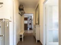Pohled od vstupních dveří - Prodej bytu 2+1 v osobním vlastnictví 82 m², Praha 3 - Žižkov