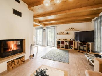 Přízemí, pohled z obývacího pokoje - Prodej domu v osobním vlastnictví 220 m², Rokytnice nad Jizerou