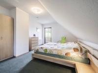 1. NP pokoj č.2 - Prodej domu v osobním vlastnictví 220 m², Rokytnice nad Jizerou