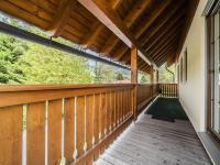 terasa, přístup k hlavnímu vchodu do domu - Prodej domu v osobním vlastnictví 220 m², Rokytnice nad Jizerou