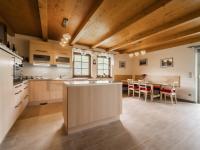 přízemí, kuchyně + jídelna - Prodej domu v osobním vlastnictví 220 m², Rokytnice nad Jizerou