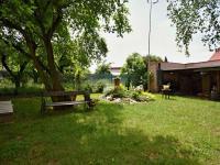 Pergola u domu - Prodej bytu 3+1 v osobním vlastnictví 70 m², Borovany