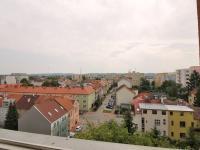 výhled z pokoje na východ - Prodej bytu 3+1 v osobním vlastnictví 66 m², České Budějovice