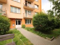 vchod do domu - Prodej bytu 3+1 v osobním vlastnictví 66 m², České Budějovice