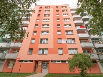 dům - východní pohled - Prodej bytu 1+1 v družstevním vlastnictví 33 m², České Budějovice