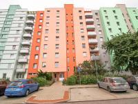 dům- západní pohled - Prodej bytu 1+1 v družstevním vlastnictví 33 m², České Budějovice