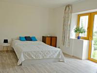 OBÝVACÍ POKOJ V 1. NP (LOŽNICE) - Prodej domu v osobním vlastnictví 175 m², České Budějovice