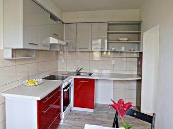 KUCHYNĚ V 1. NP - Prodej domu v osobním vlastnictví 175 m², České Budějovice