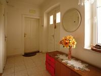 Chodba v přízemí - Prodej domu v osobním vlastnictví 140 m², Žinkovy