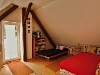 Pokoj v podkroví - Prodej domu v osobním vlastnictví 140 m², Žinkovy