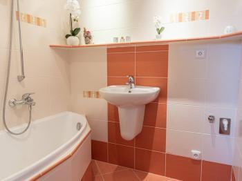 koupelna - pronájem bytu 3+1, Šumperk - Pronájem bytu 3+1 v osobním vlastnictví 61 m², Šumperk