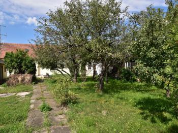 přístup k domu - Prodej domu v osobním vlastnictví 123 m², České Budějovice
