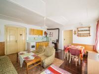 obytná místnost - Prodej domu v osobním vlastnictví 280 m², Dobříkov