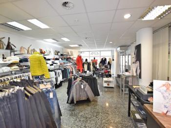 současné využití - obchod - Pronájem obchodních prostor 100 m², České Budějovice