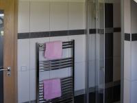 Koupelna v podkroví - Prodej domu v osobním vlastnictví 163 m², Kaplice
