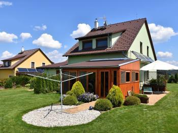 Zadní pohled - Prodej domu v osobním vlastnictví 163 m², Kaplice