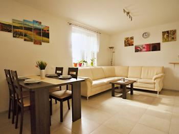 Prodej domu v osobním vlastnictví 120 m², Dubičné
