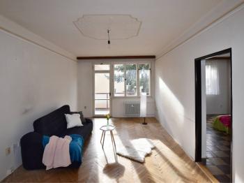 obývací pokoj s balkonem - Prodej bytu 3+1 v osobním vlastnictví 78 m², České Budějovice