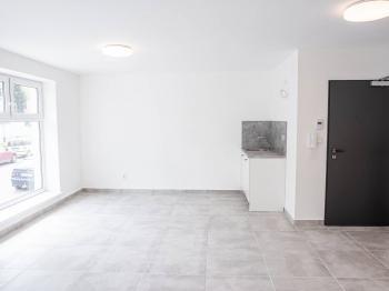 Pronájem komerčního prostoru (kanceláře) v osobním vlastnictví, 35 m2, Česká Třebová