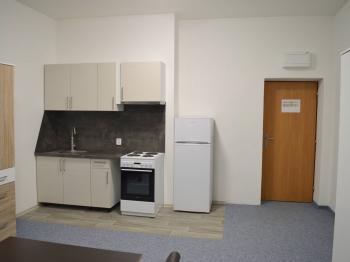 Garsonka 24 m2 + koupelna a WC. - Pronájem bytu Garsoniéra v osobním vlastnictví 16 m², Zdíkov