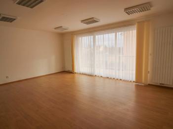 obývací pokoj s kuchyňským koutem - Pronájem bytu 3+kk v osobním vlastnictví 85 m², České Budějovice