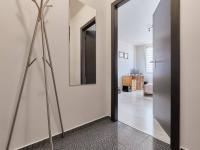 zádveří - pohled do ložnice - Prodej bytu 2+1 v osobním vlastnictví 57 m², České Budějovice