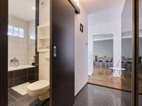 předsíň a koupelna - Prodej bytu 2+1 v osobním vlastnictví 57 m², České Budějovice